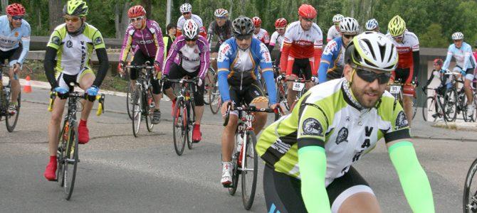 Santovenia reconoce a los ciclistas de antaño